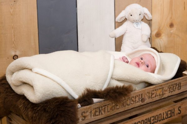Wollen baby wikkeldoek wolwit ecru Texelse Schapenboet