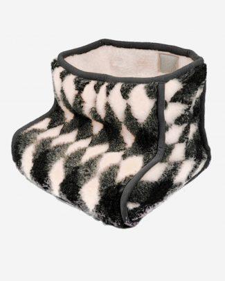 schapenwollen voetenwarmer geblokt motief, schapenwollen voetenzak geblokt motief