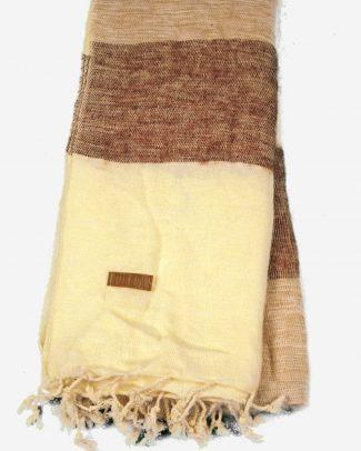 Geborstelde katoenen sjaal omslagdoek ecru licht kastanjebruin gestreept Texelse Schapenboet