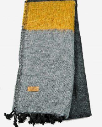 Geborstelde katoenen sjaal omslagdoek okergeel antraciet Texelse Schapenboet