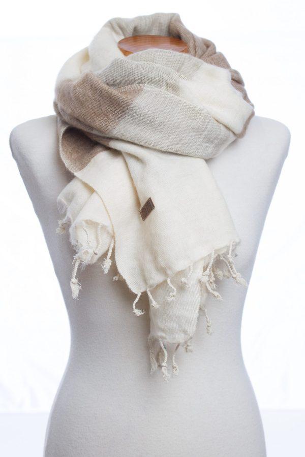 Sjaal sand stripe Puur Nepal Texelse Schapenboet
