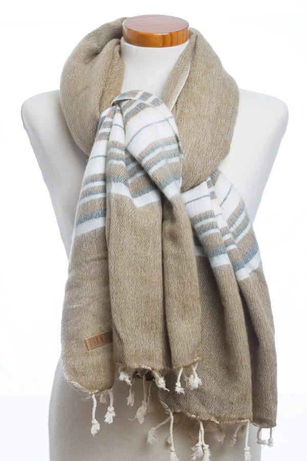 Sjaal kaki grey stripe Puur Nepal Texelse Schapenboet
