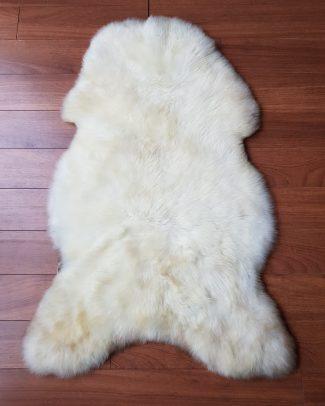 Texelse Schapenboet schapenvacht wolwit